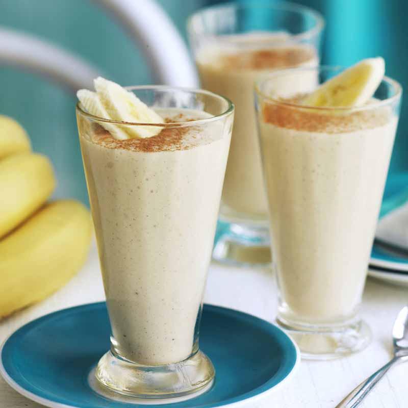 Ovseni napitek z banano in mandlji