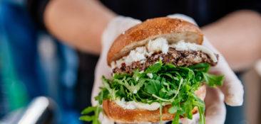 Na Pivo & Burger Fest po osvežitev in okrepitev