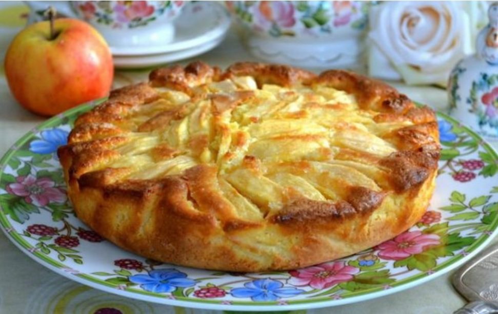 Italijanska šarlota z jabolki