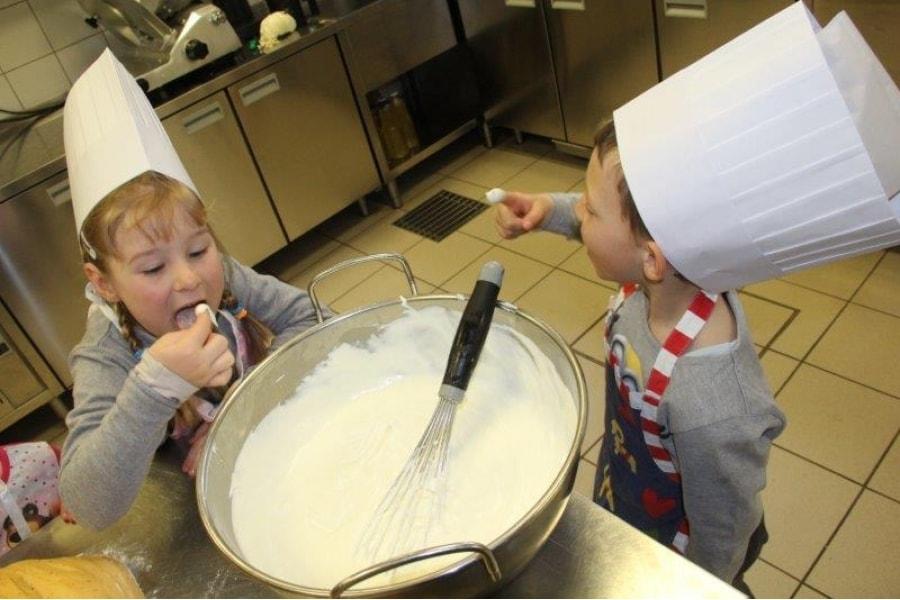 mali kuharji v Vili Podvin