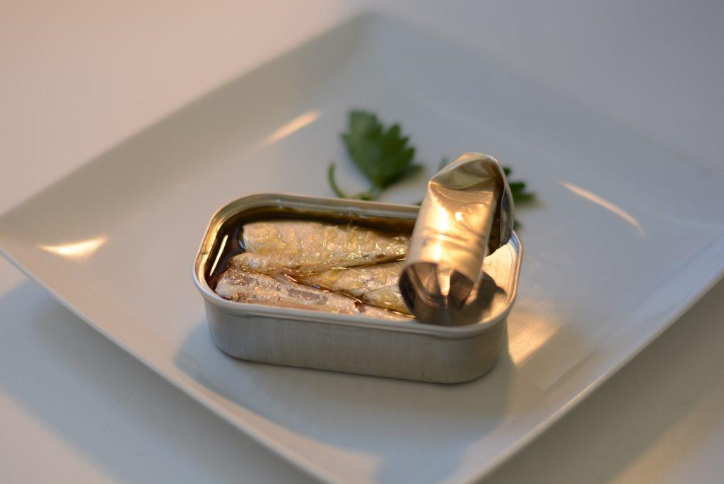 sardine sardele v solati