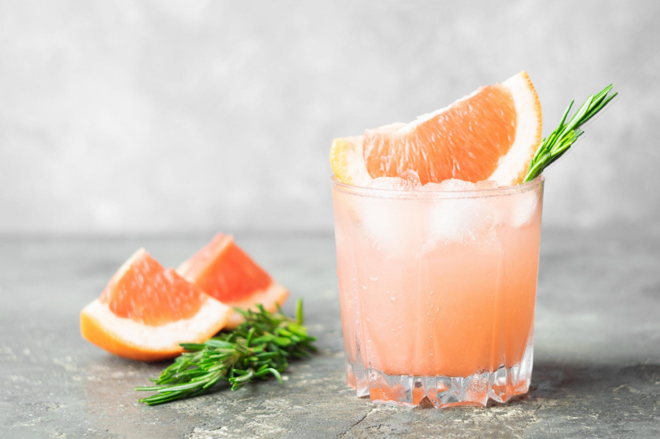 """""""Limonada"""" z grenivko in rožmarinom"""
