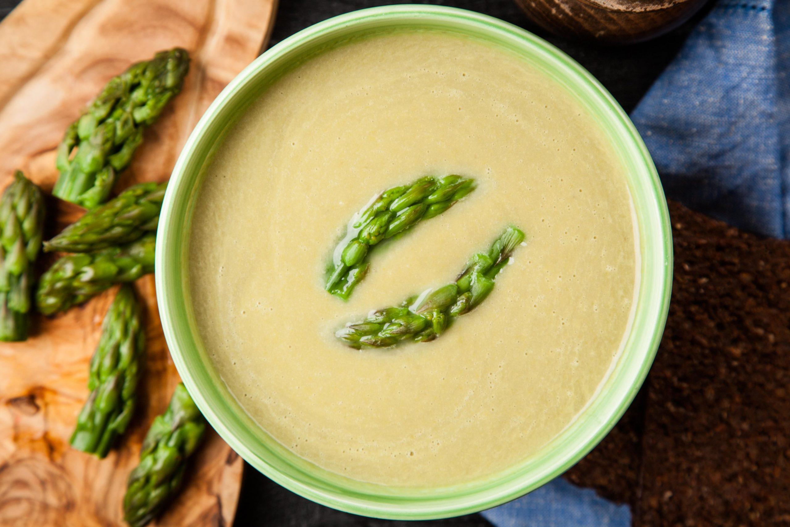 Kremna špargljeva juha