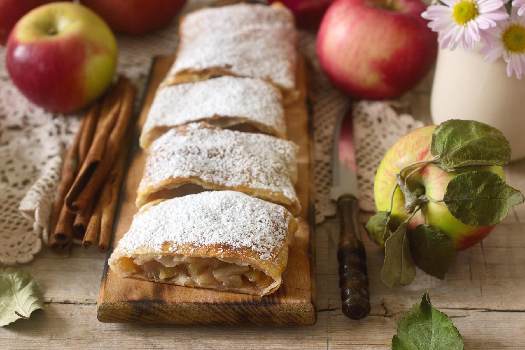 Jabolčni štrudelj