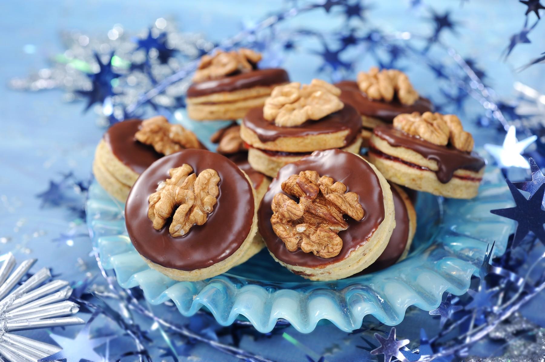 Čokoladni piškoti z orehi